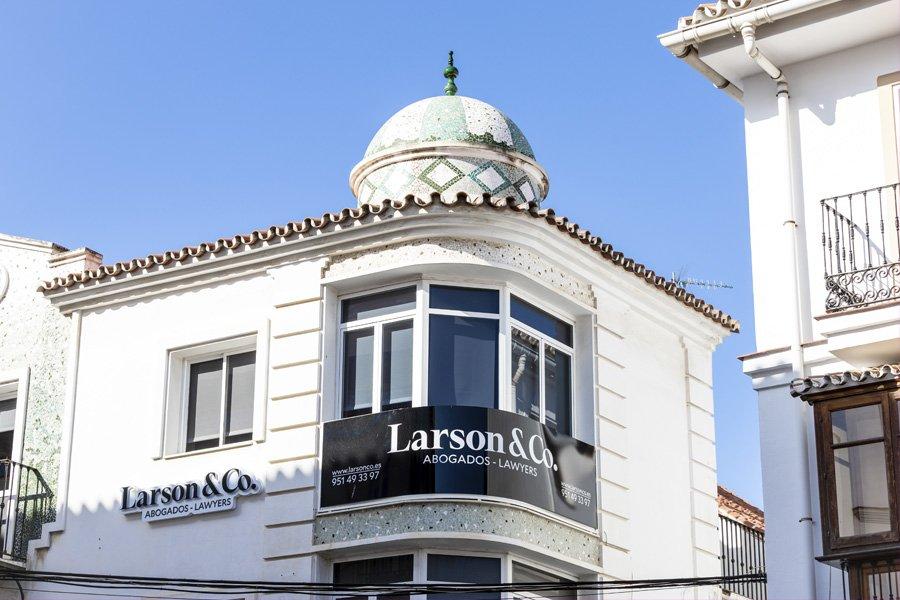 Larson & Co - Abogados en Vélez-Málaga